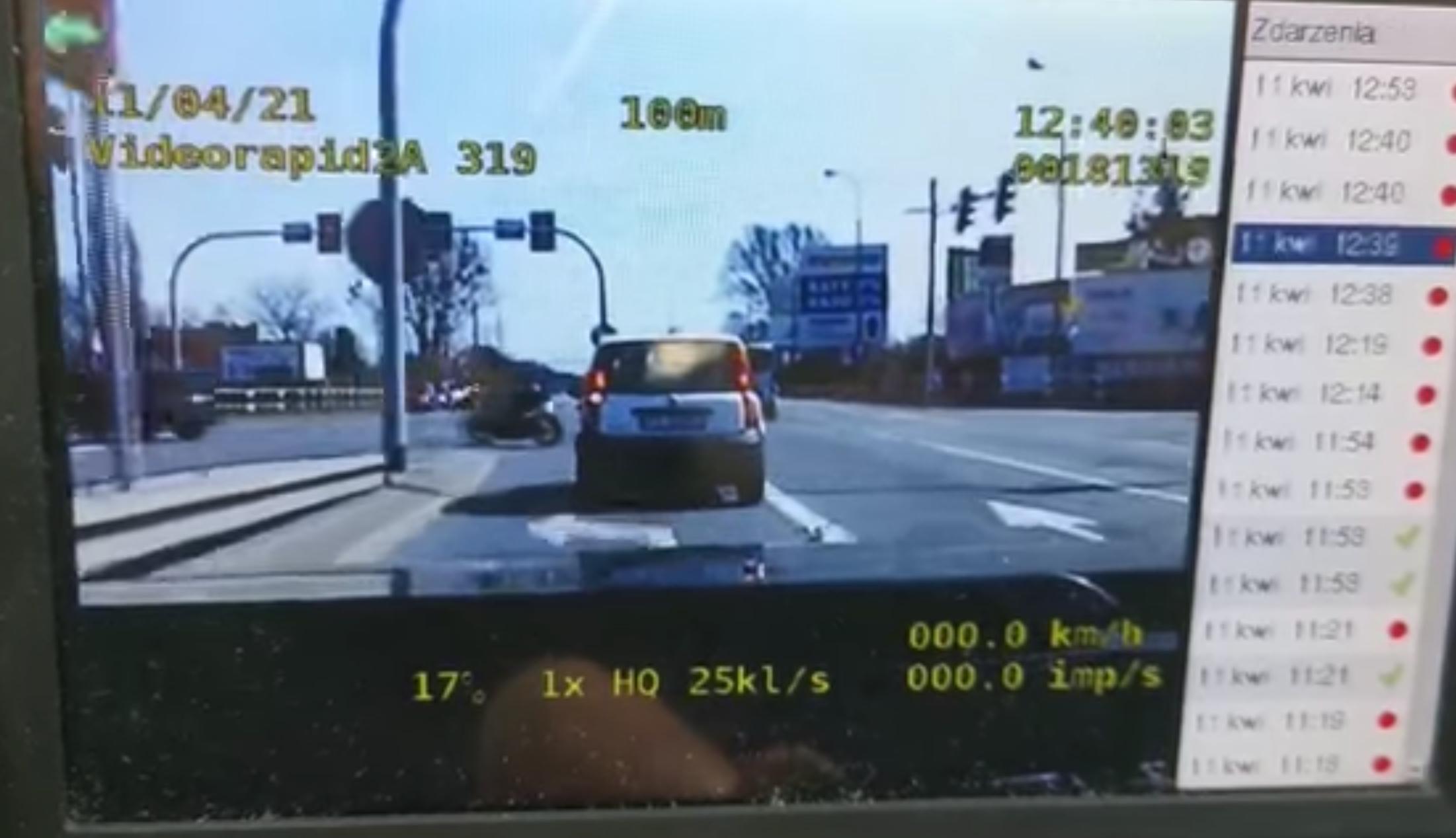 Policjanci nagrali wykroczenie motocyklisty